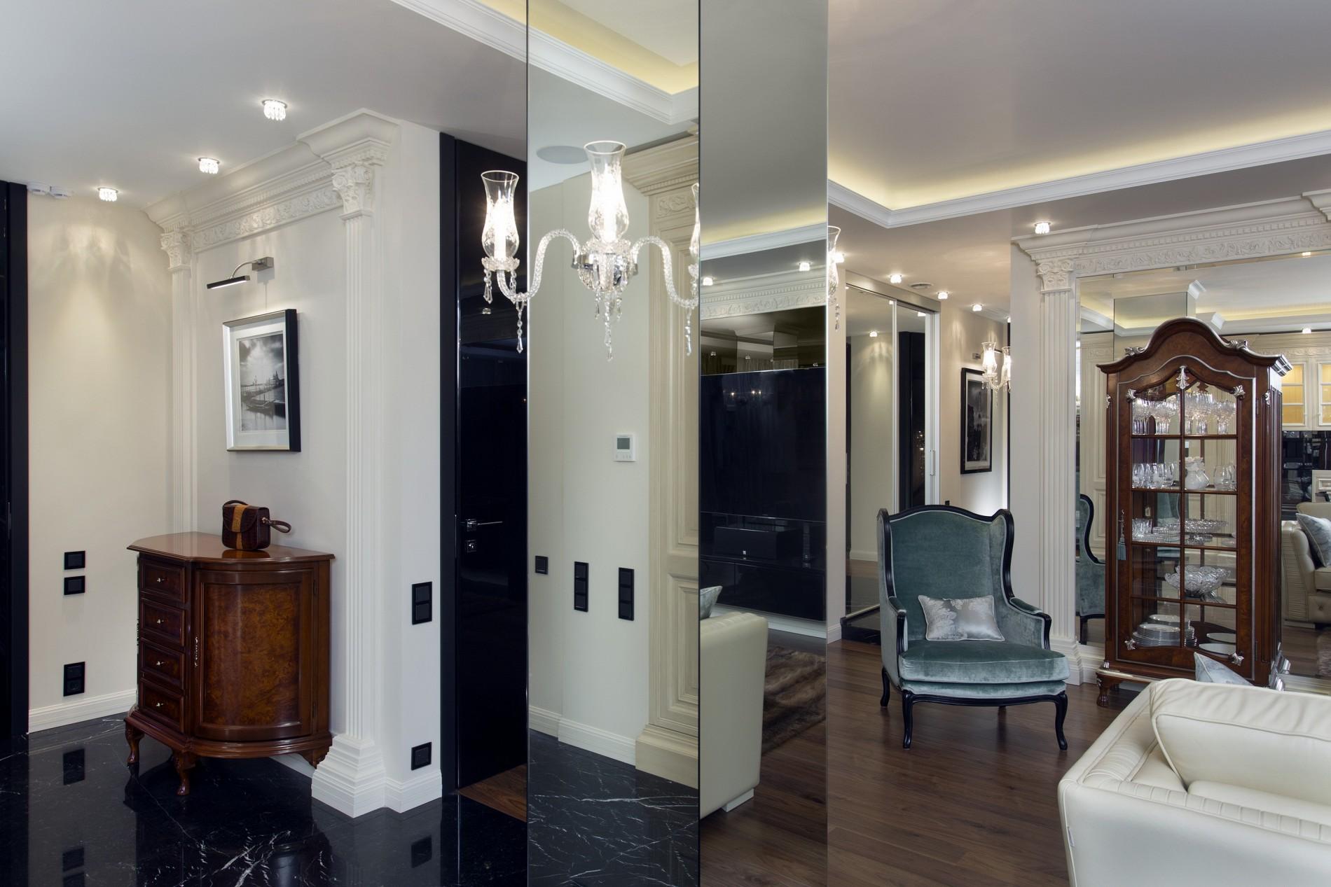 Эксклюзивные зеркала в гостиной. Неоклассика